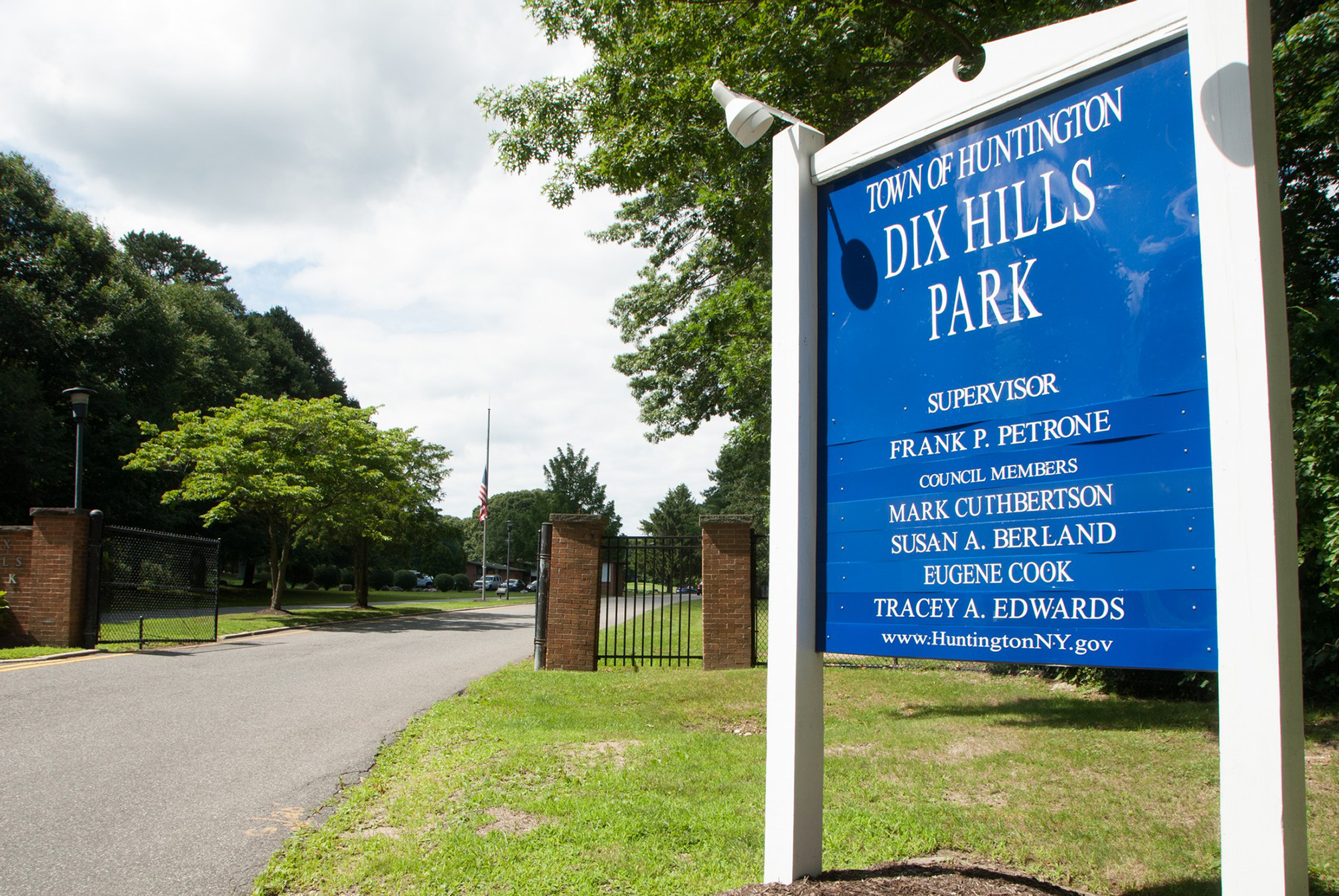 Dix Hills Recreation